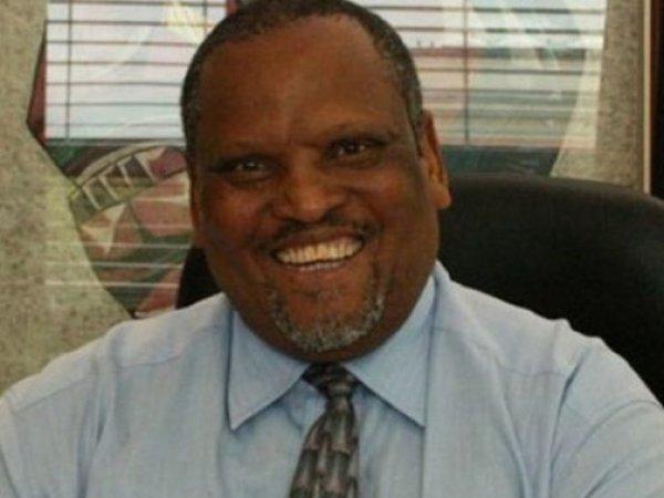 Умер вице-президент WADA Махенкеси Стофиле