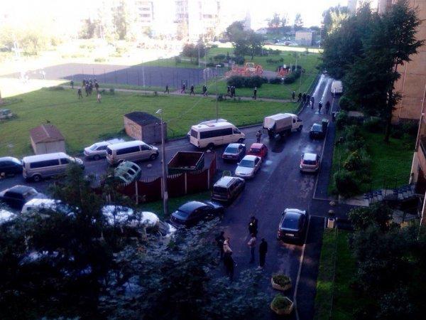Взрывы в Санкт-Петербурге 17 августа: при задержании террористов в жилом доме прогремели взрывы (ФОТО, ВИДЕО)