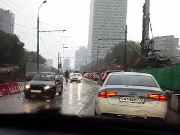 Москва, ливневые дожди, потоп, 19.08.2016: Ленинский проспект ушел под воду (ФОТО, ВИДЕО)