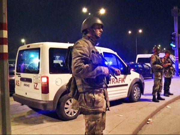 СМИ: аэропорт в Турции обстреляли ракетами (ФОТО)