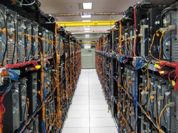 """В Китае стеснительный мужчина попытался """"уничтожить Интернет"""""""