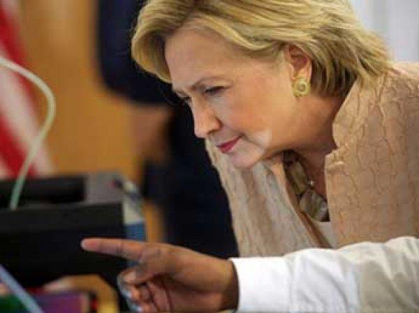Представитель Трампа рассказал о серьезной болезни Клинтон