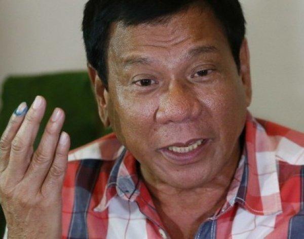 """Международный скандал: президент Филиппин назвал посла США """"сукиным сыном"""" и """"геем"""""""