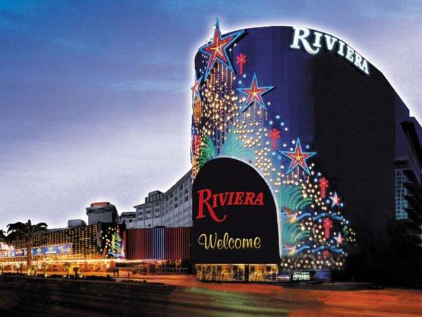 Опубликовано ВИДЕО разрушения знаменитого казино Лас-Вегаса управляемым взрывом (ВИДЕО)