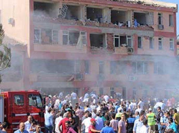 В Турции снова взорвали полицейский участок: шесть человек погибли