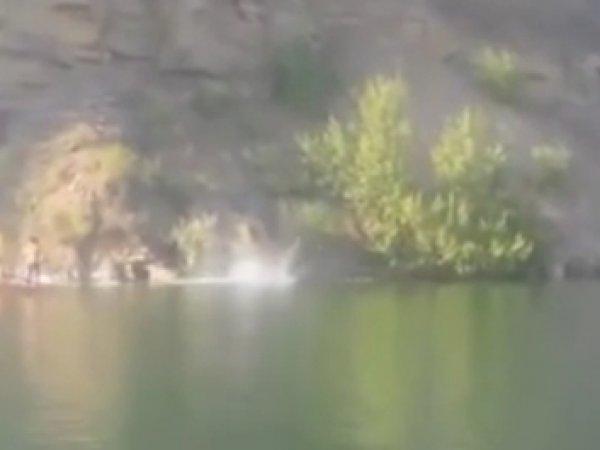 Смертельный прыжок десантника со скалы попал на ВИДЕО