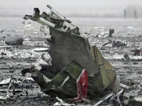 """СМИ: командир рухнувшего в Ростове """"Боинга"""" специально ввел самолет в пике"""
