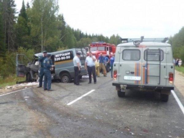 Авария в Кировской области 22 августа 2016: опубликовано ФОТО с места ДТП, где погибли 6 человек
