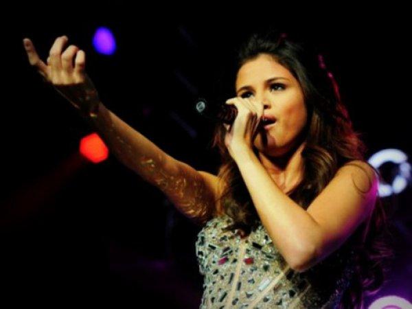 Селена Гомес объявила об уходе со сцены из-за неизлечимой болезни