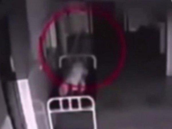 В Китае сняли на ВИДЕО, как из пациента госпиталя вылетела душа (ВИДЕО)