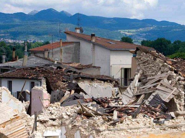 Землетрясение в Италии 24 августа 2016: опубликовано ВИДЕО с улиц разрушенного Аматриче