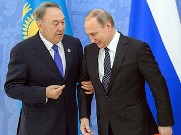 Назарбаев рассказал Путину о готовности Порошенко к компромиссам по Донбассу
