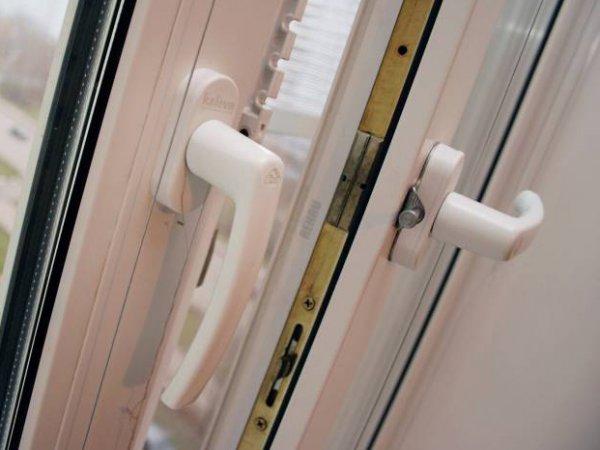 В Москве трехлетний ребенок выпал из окна 12-го этажа