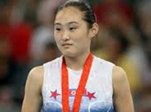 Гимнастке из КНДР грозит смерть из-за селфи со спортсменкой Южной Кореи в Рио (ФОТО)
