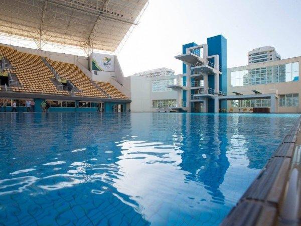 В Рио внезапно позеленела вода в олимпийском бассейне (ФОТО)