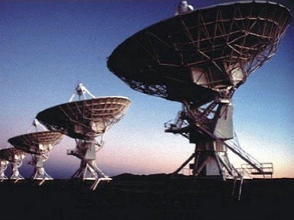 """СМИ: Российские астрофизики """"поймали"""" сигнал инопланетян"""