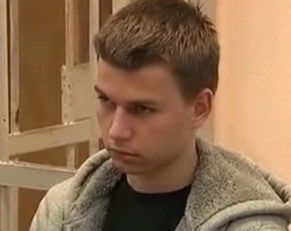 Водителя BMW, проехавшего по парку «Музеон», арестовали на 10 суток