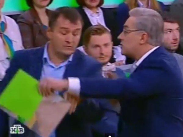 """На НТВ ведущий Андрей Норкин выгнал украинского эксперта во время передачи о сбитом """"Боинге"""" (ВИДЕО)"""