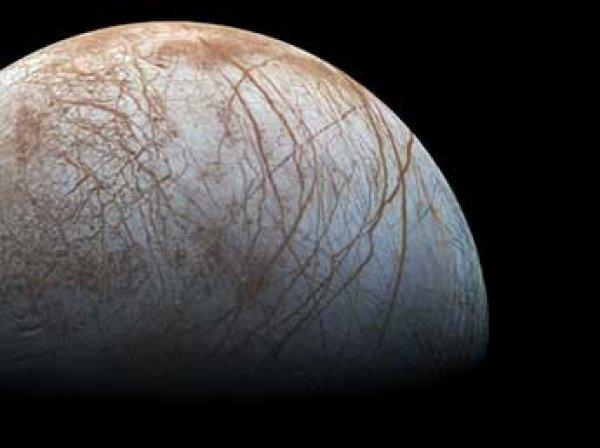 НАСА показало ФОТО и ВИДЕО гейзеров на потенциальном обитаемом спутнике Юпитера Европе