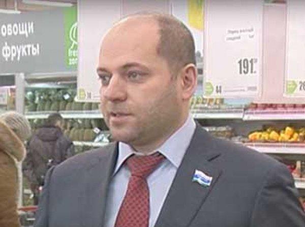 На Урале лишили диплома депутата-единоросса, призвавшего россиян меньше есть