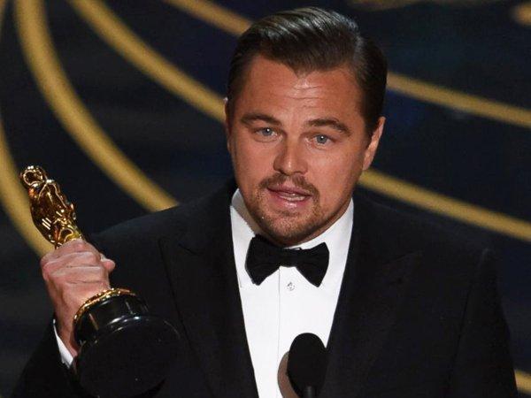 """У Ди Каприо нашли украденный """"Оскар"""" Марлона Брандо"""