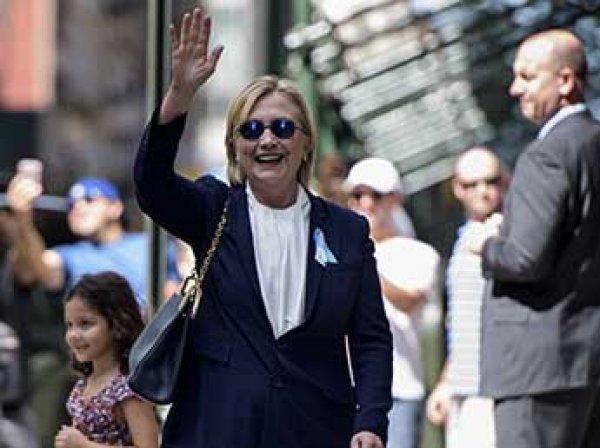 Болезнь Хиллари Клинтон: ее двойник опровергла сообщения, что заменила политика во время обморока в Нью-Йорке (ФОТО)