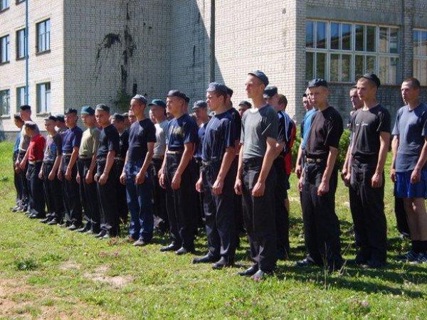 На Урале из училища для малолетних преступников сбежали около 30 подростков