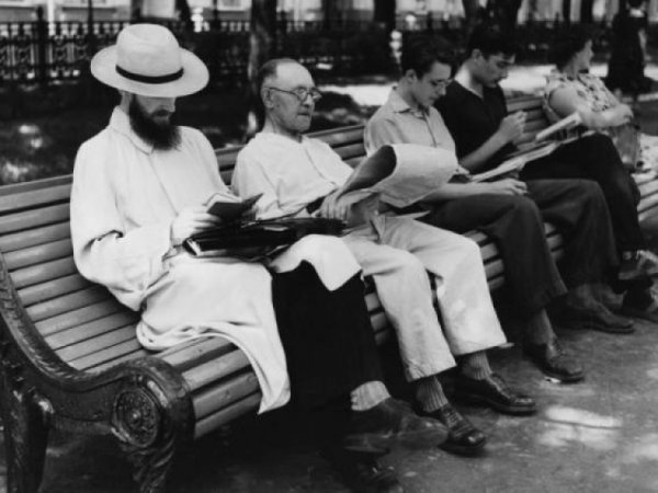 СМИ: журналисты предупреждали о развале общества из-за гаджетов еще в 1906 году (ФОТО)