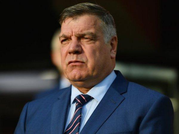 Розыгрыш журналиста отправил в отставку тренера сборной Англии