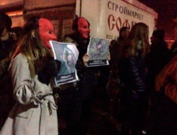 Радикалы в Хмельницком сорвали концерт Потапа и Насти, залив клуб кровью