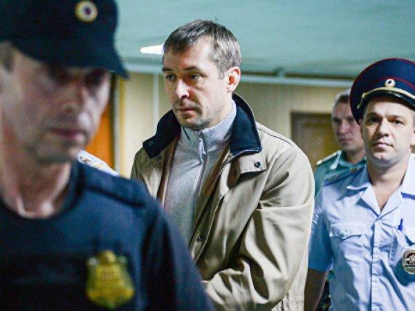 СМИ узнали, кто заносил баулы с деньгами в квартиру полковника МВД Захарченко (ФОТО)