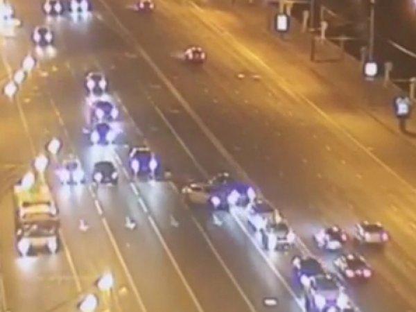 Авария на Ленинском проспекте: ВИДЕО ДТП появилось в Сети