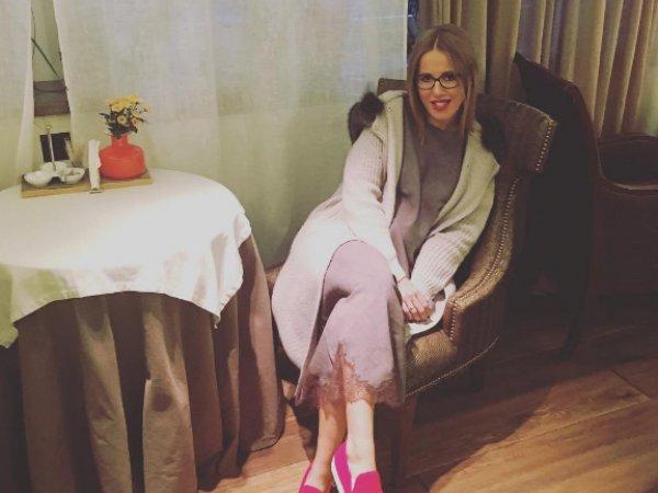 Ксения Собчак не беременна: на телеведущую без живота в Париже напал украинский журналист-фрик (ФОТО, ВИДЕО)