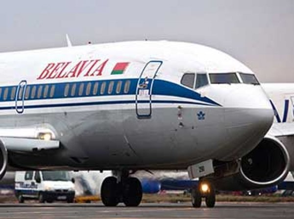 Украина развернула белорусский лайнер под угрозой поднять истребители