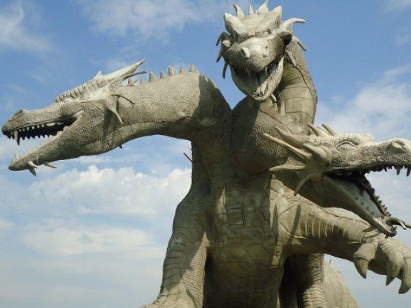 ФОТО в Инстаграм прославило 15-метровую статую Змея Горыныча в Липецкой области