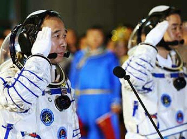 Китай успешно запустил космический корабль «Шэньчжоу-11» (ВИДЕО)