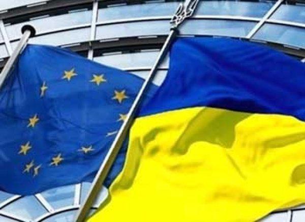 Страны ЕС условно отменили визы граждан Украины