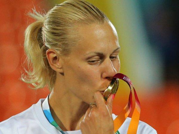 СМИ: троих российских легкоатлеток дисквалифицировали за допинг
