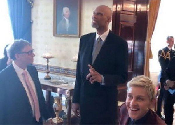 """Youtube ВИДЕО: """"Манекен челледж"""" с Де Ниро, Томом Хэнксом и Биллом Гейтсом в Белом доме"""