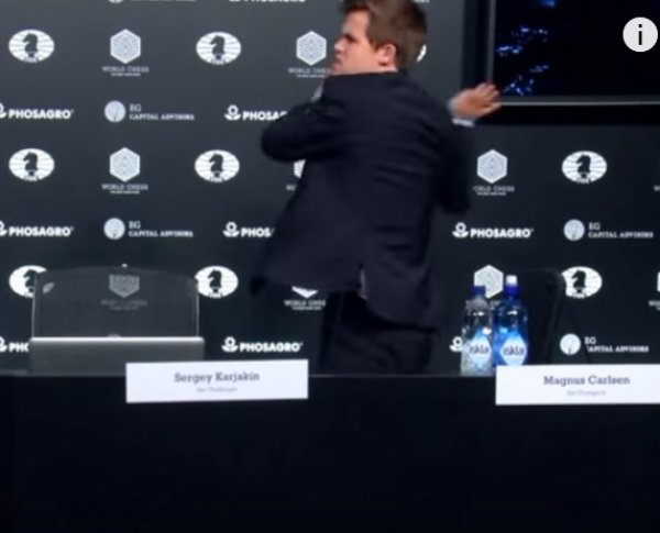 Карякин – Карлсен, 8 партия: после первого поражения норвежский чемпион сбежал с пресс-конференции (ВИДЕО)