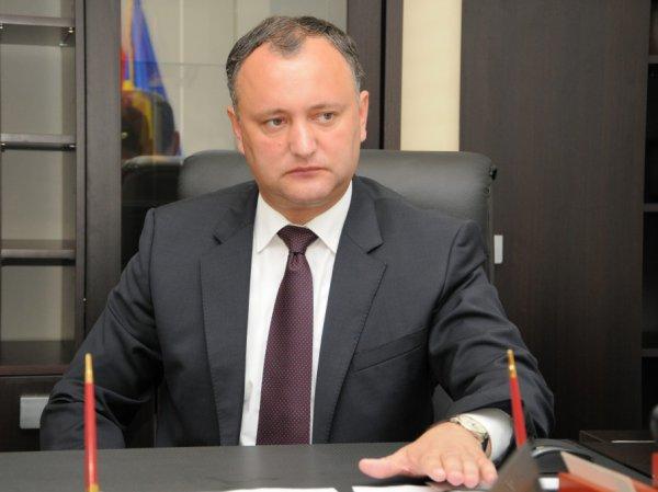 На выборах президента в Молдавии и Болгарии победили социалисты Додон и Радев (ФОТО)