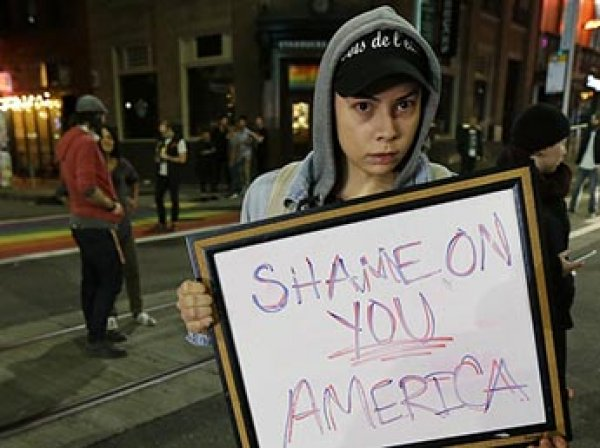 В США начались массовые акции протеста недовольных победой Трампа (ВИДЕО)