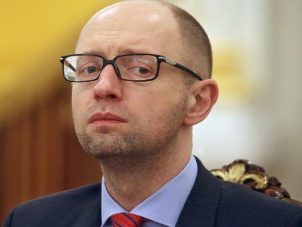 """""""Пожалуйста, не бросайте нас!"""": Яценюк обратился к мировым лидерам"""