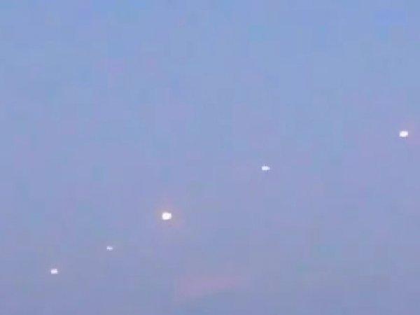 YouTube ВИДЕО невероятного парада НЛО над озером Мичиган появилось в Сети