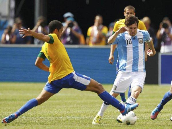 Бразилия – Аргентина: прогноз  на матч 11.11.2016, смотреть онлайн, ставки, по какому каналу (ВИДЕО)