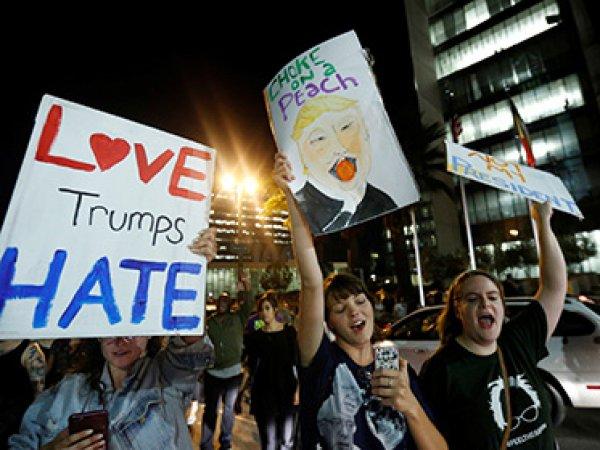 Протесты против Трампа в США переросли в погромы (ВИДЕО)