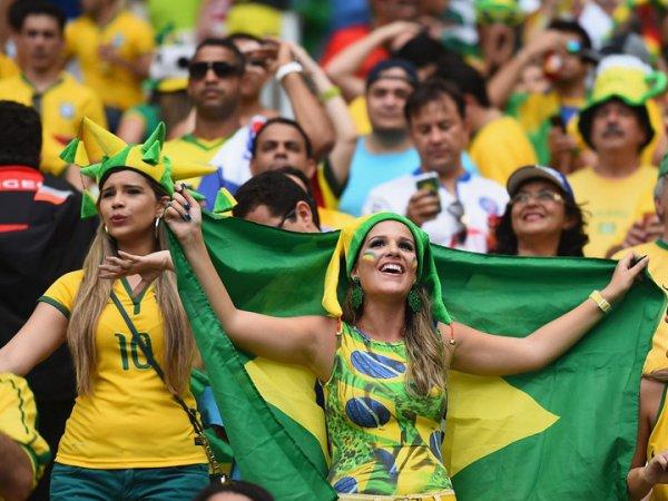 """Футбольные клубы в Бразилии отдают своих игроков разбившейся команде """"Шапекоэнсе"""""""