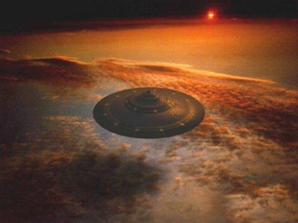На YouTube опубликовано ВИДЕО НЛО, летающего над местом падения челябинского метеорита