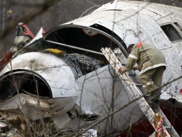 """Польские СМИ рассказали о """"следах тротила"""" на обломках самолета Качиньского"""