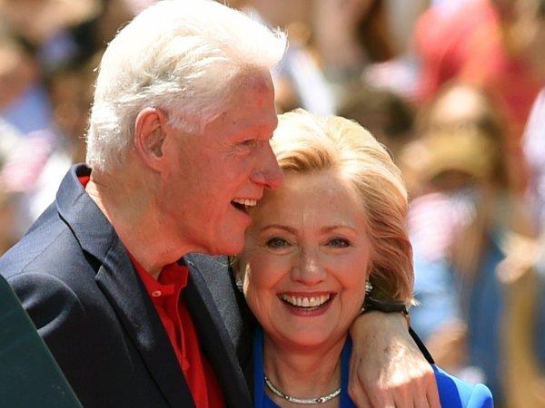 СМИ: Хиллари Клинтон разводится с мужем